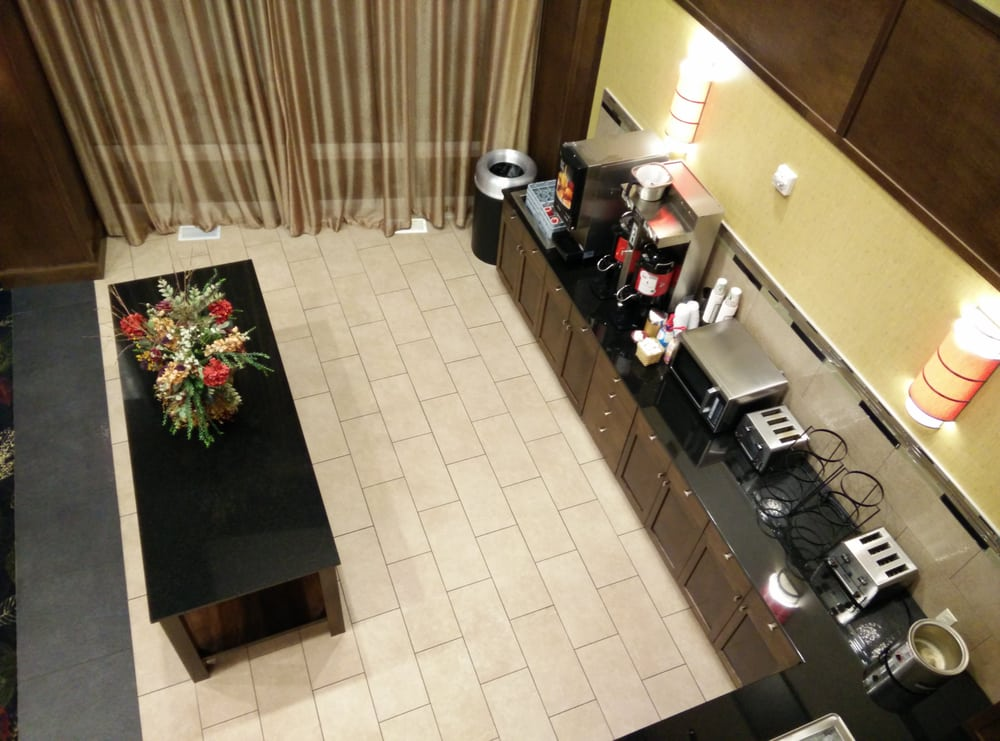 ClubHouse Hotel & Suites - Pierre: 808 West Sioux Ave, Pierre, SD