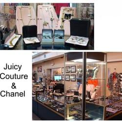 Julieu0027s Walk In Closet   Accessories   720 W Robertson St ...