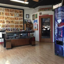 0 Chester Ave Port Orchard Photo de American Pin-up Tattoo - Port Orchard, WA, États-Unis. Lobby ...