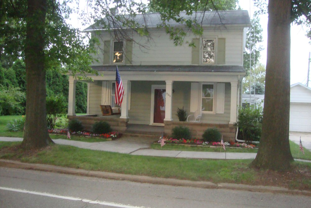 Grapevine Real Estate and Appraisal: 325 Park Ave S, Bolivar, OH