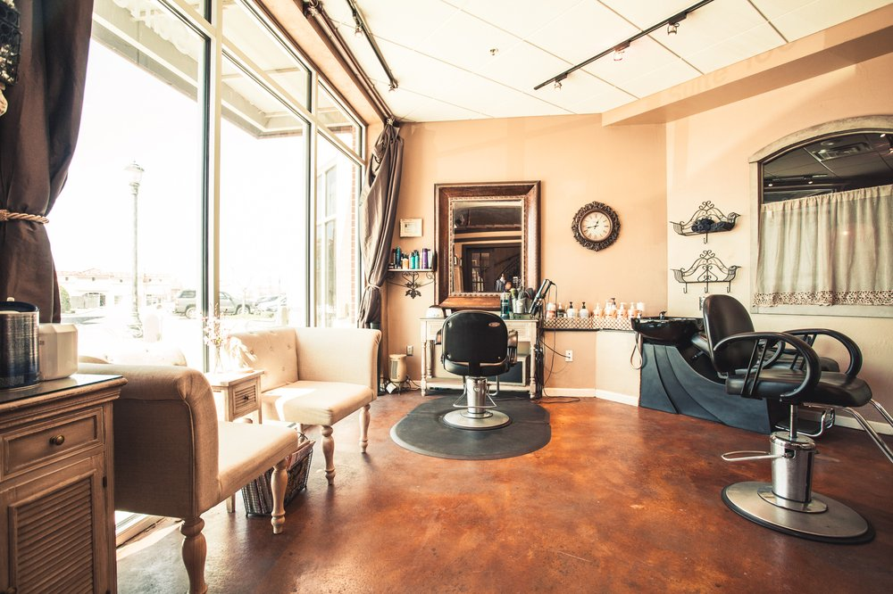 Bella Strada Salon & Spa Suites