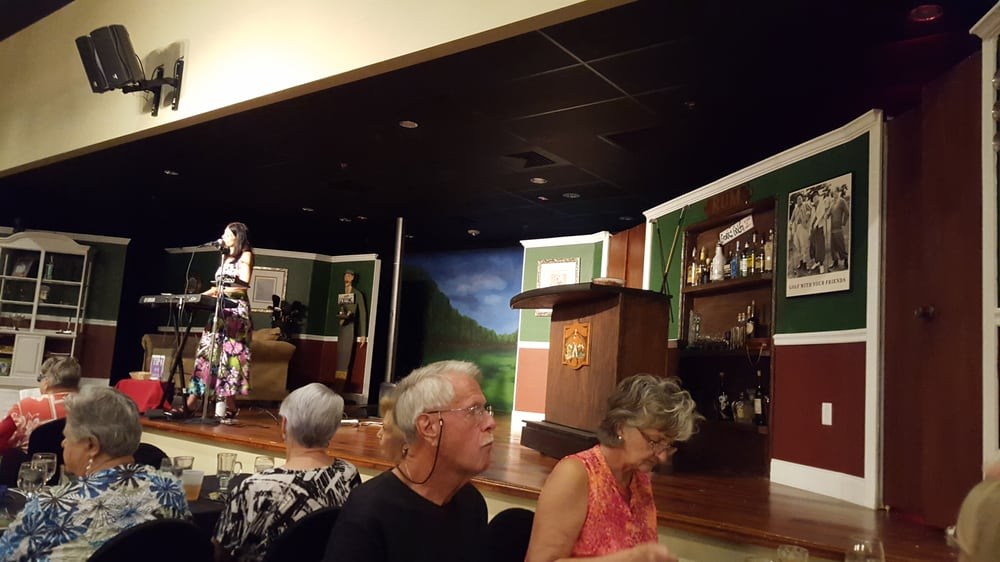 Earlybird Dinner Theater: 13555 49th St N, Clearwater, FL