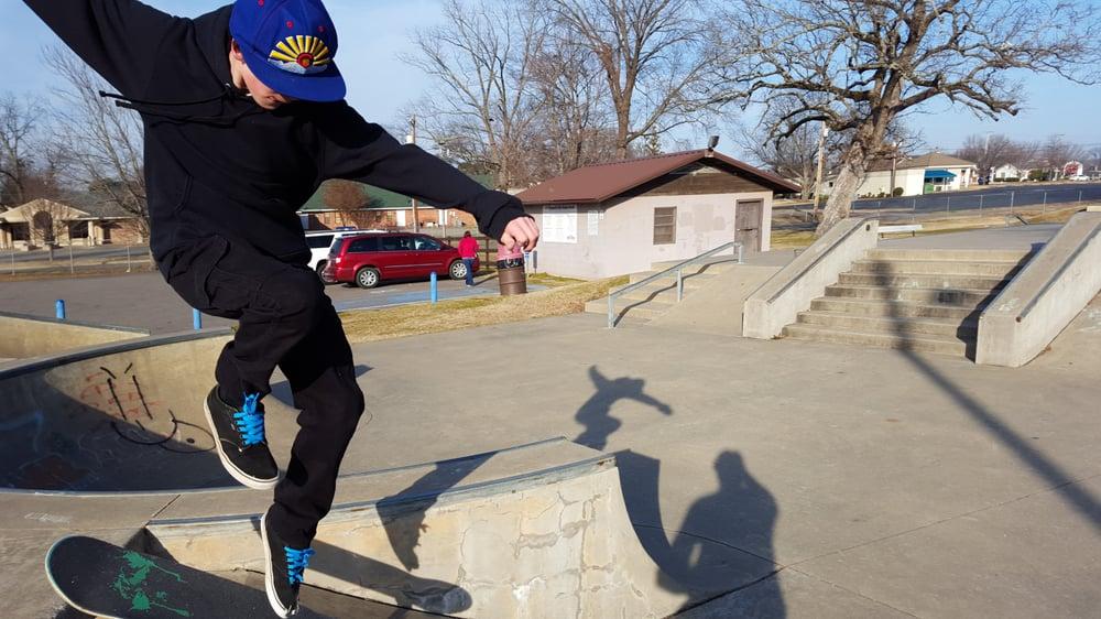 Russellville Skate Park: 207 S Jonesboro St, Russellville, AR