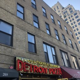 Photo Of Lions Tigers Squares Detroit Pizza New York Ny United