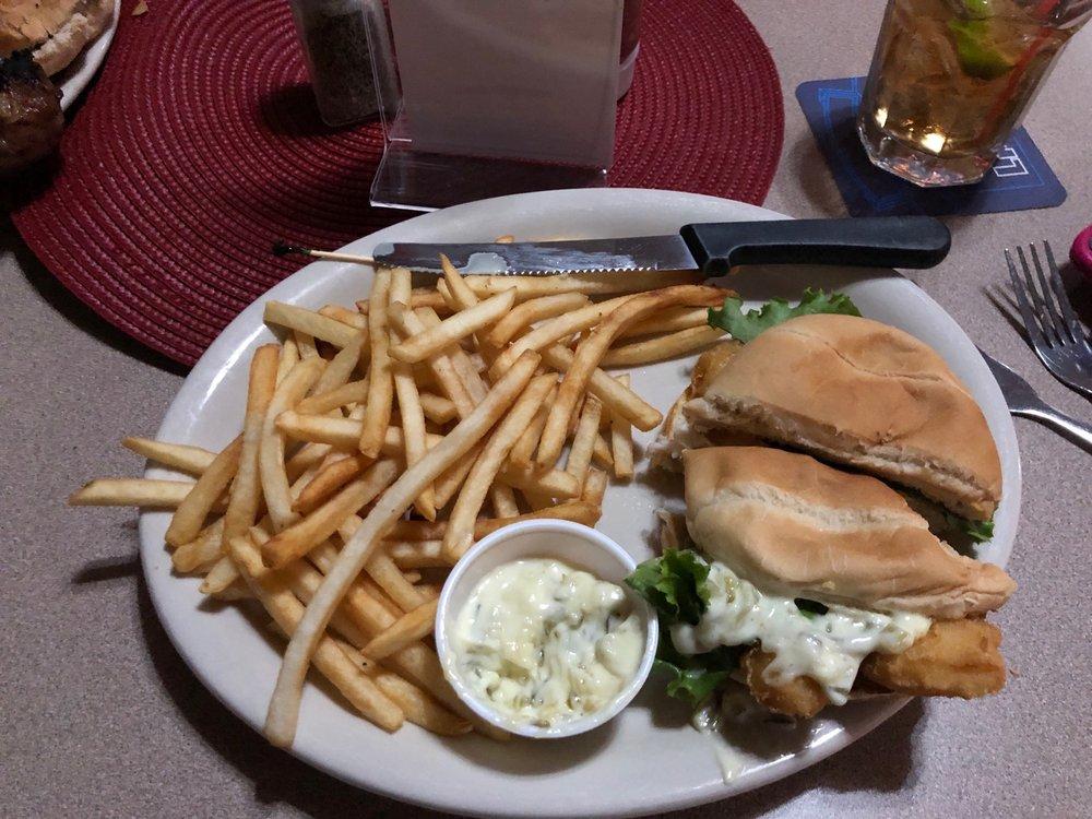 Sportsmen's Bar and Two Rivers Hotel: 25412 Park Ave, Niobrara, NE
