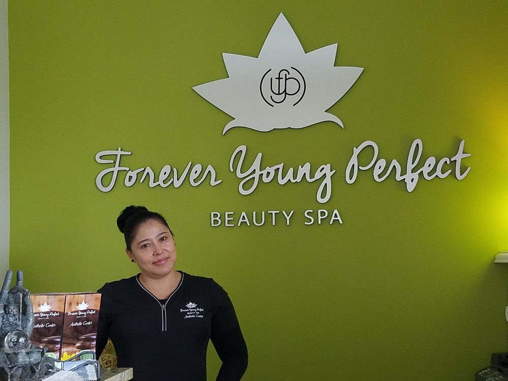 Forever young perfect beauty spa 51 photos spa 12030 for Salon younga
