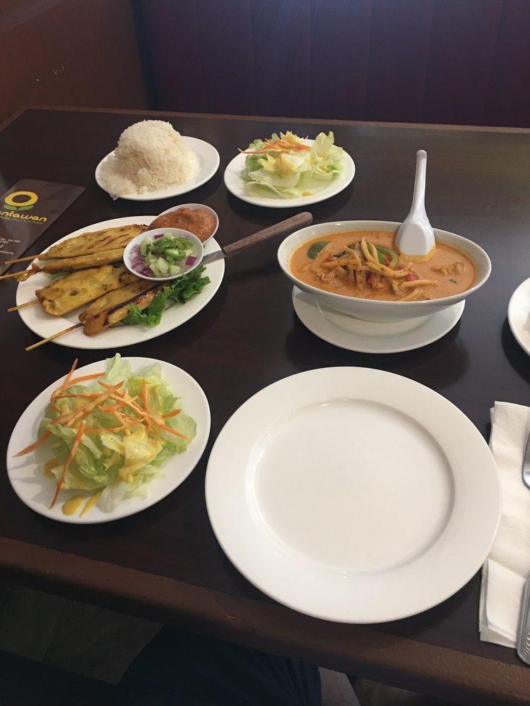 Tantawan Thai Kitchen: 1557 E Amar Rd, West Covina, CA
