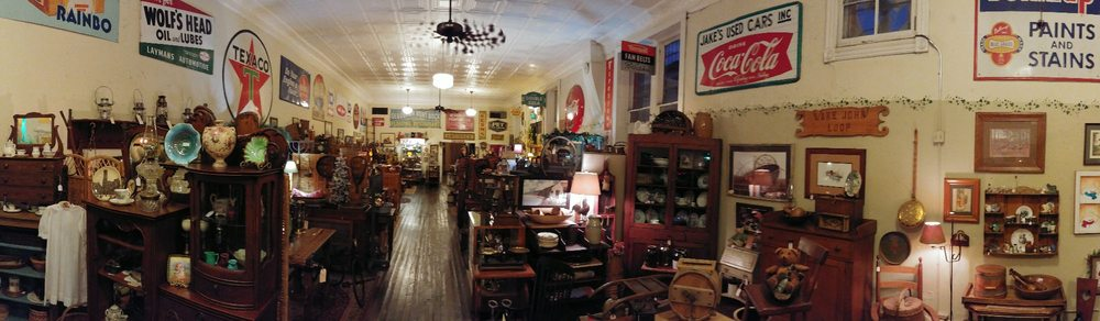 Corner Antiques: 320 N Main St, Clinton, TN