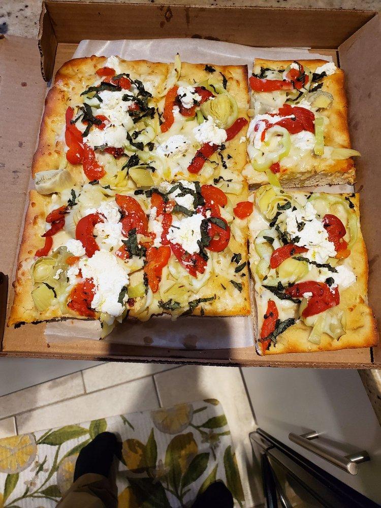 Vinny's Pizza And Restaurant: 620 Beaver Ave, Ellwood City, PA