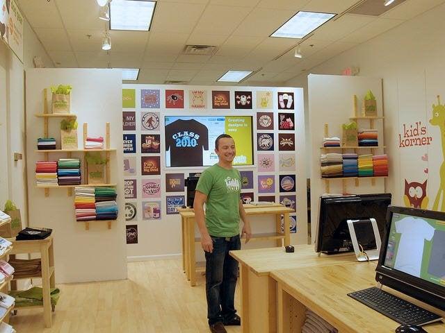 Louisville custom t shirt screen printing at mall st for Louisville t shirt printing