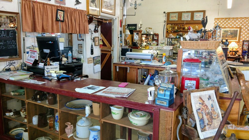 Country Antiques Mall: 2167-1 S US Hwy 17, Crescent City, FL