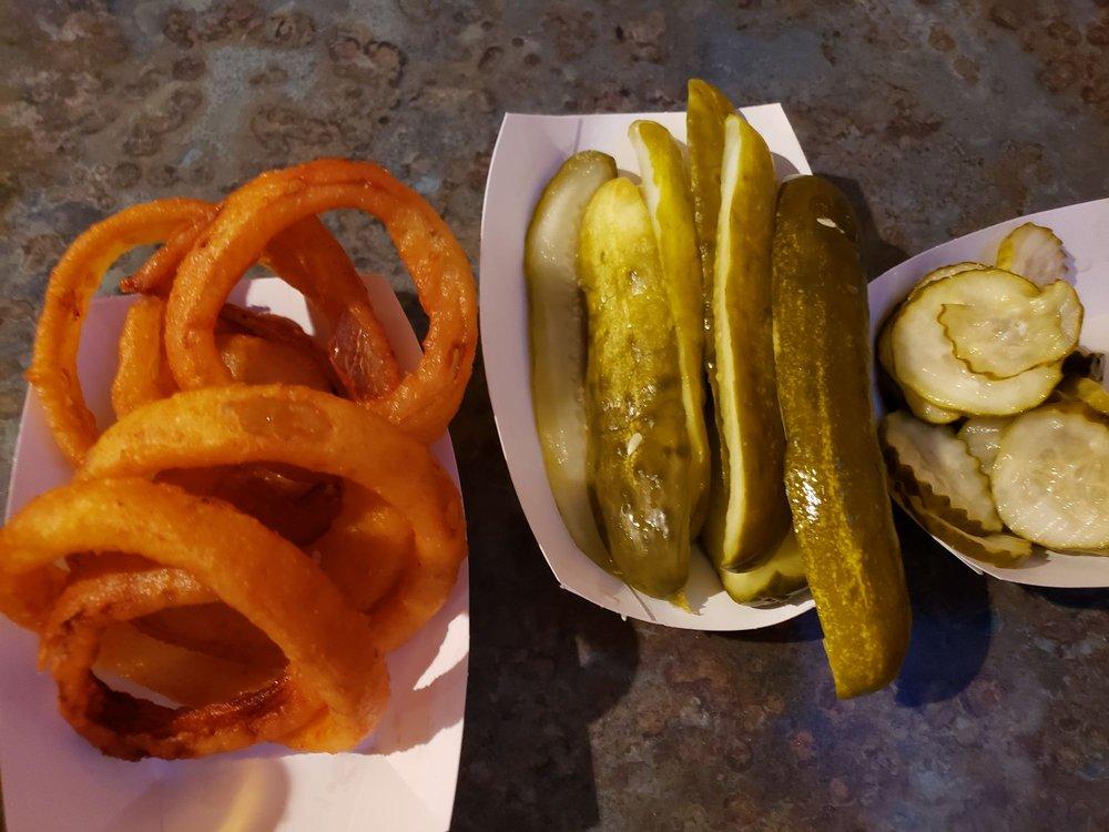Sip-N-Snack: 10 N 4250th Rd, Mendota, IL