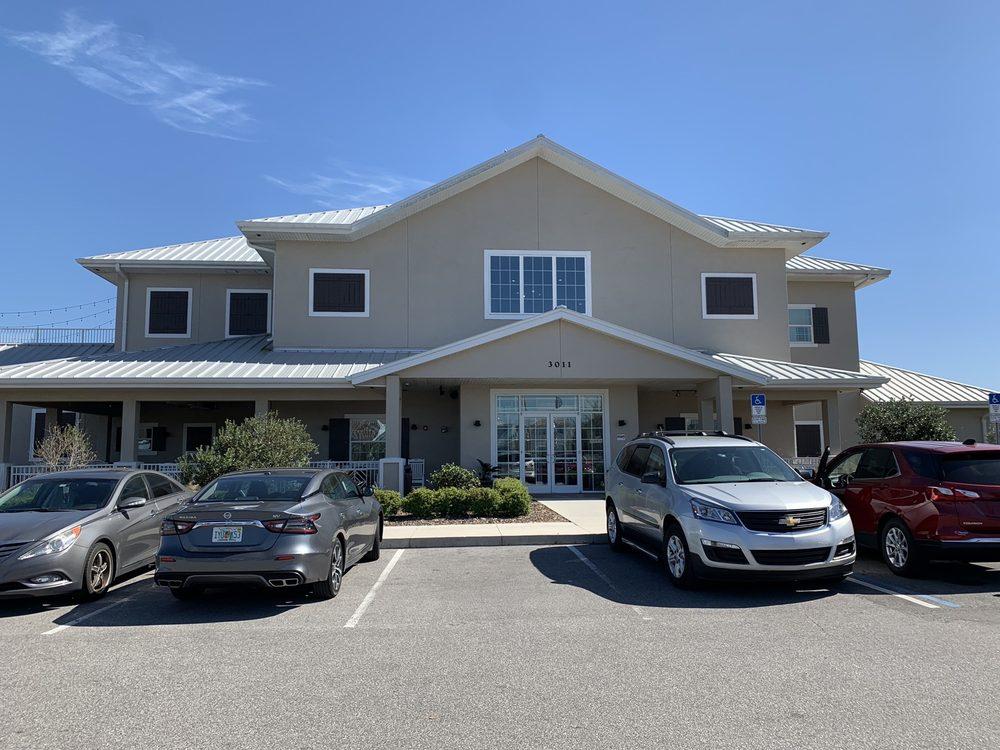 Island Grove Wine Company at Formosa Gardens: 3011 Formosa Gardens Blvd, Kissimmee, FL