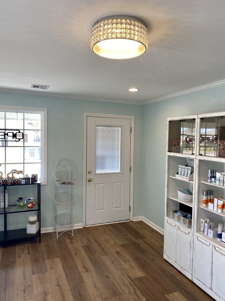 Island Massage & Spa: 501 N Lake Park Blvd, Carolina Beach, NC