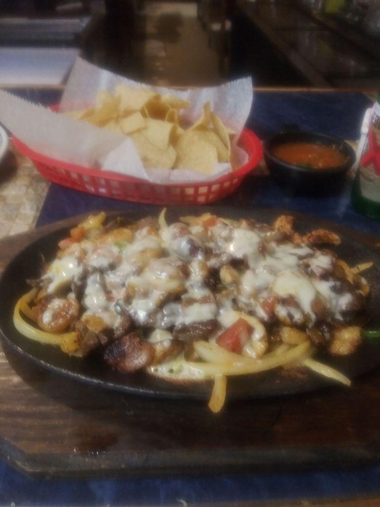Los Ranchos: 1610 E Main St, Madisonville, TX