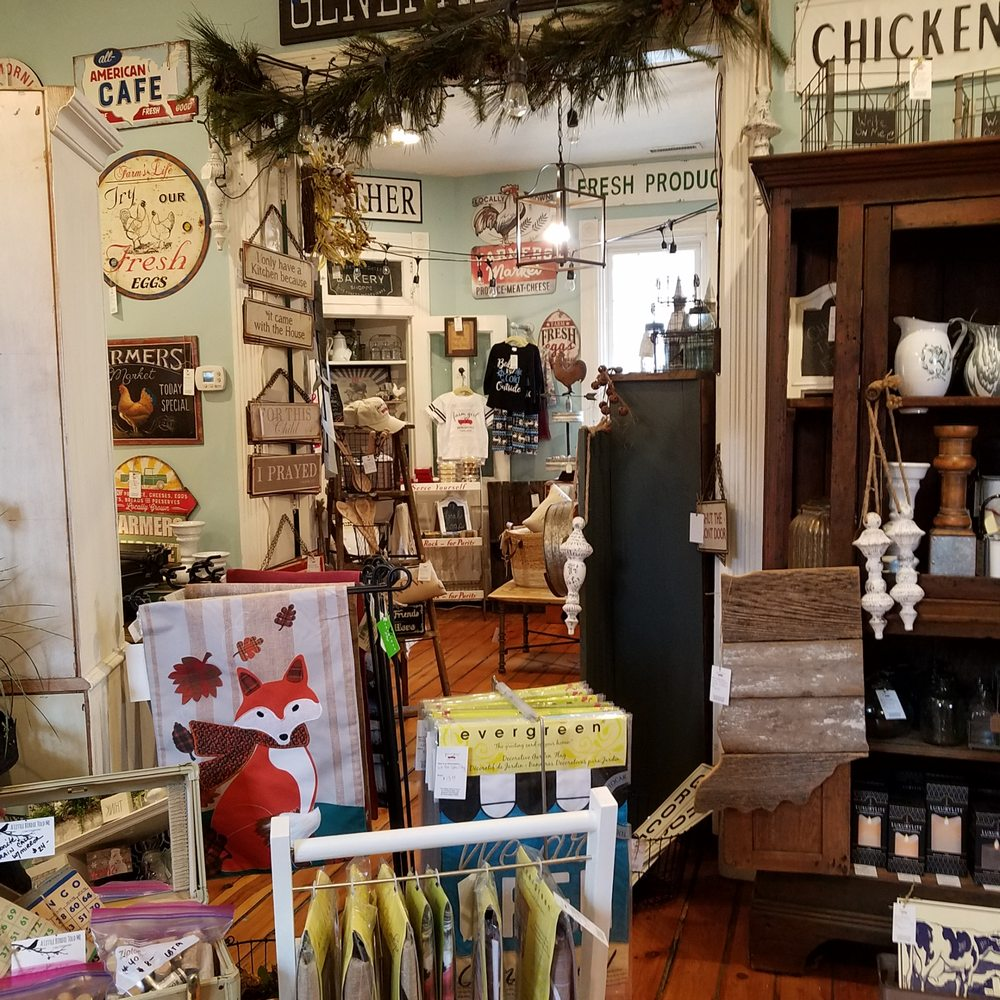 Farm Girl Mercantile: 436 E Jefferson St, Franklin, IN