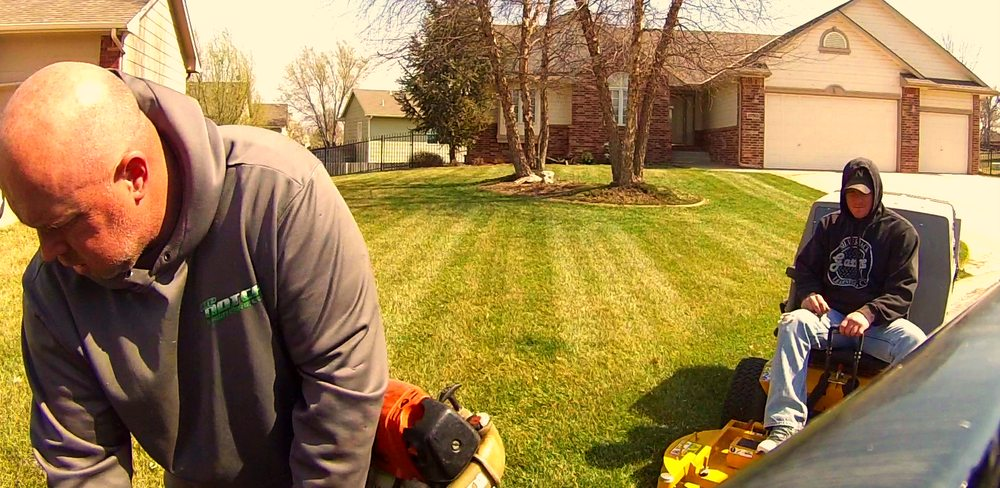 Top Notch Lawn Care: Derby, KS