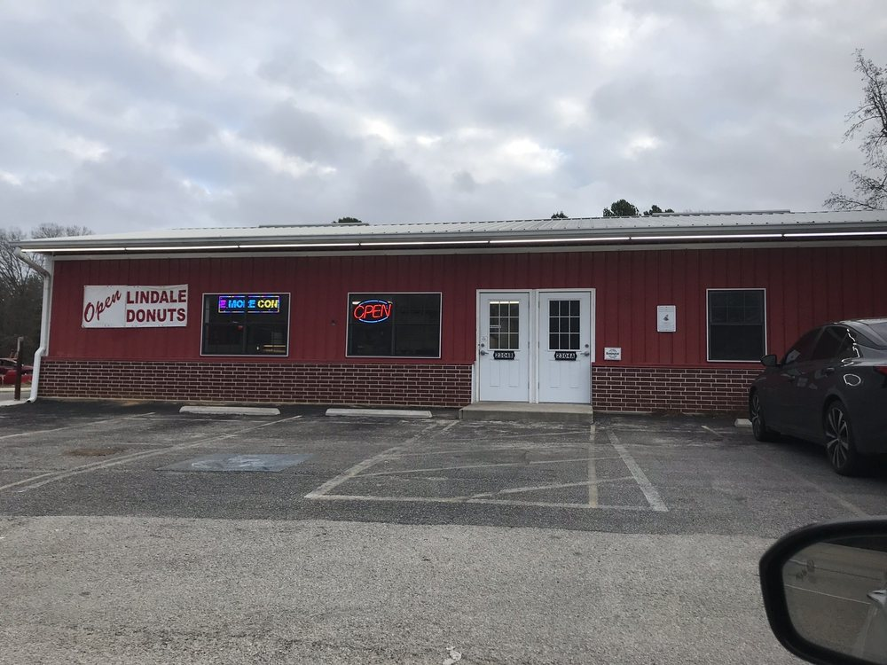Lindale Donuts: 2304 S Main St, Lindale, TX