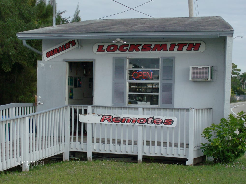 Gerald's Locksmith: 1383 N Tamiami Trl, North Fort Myers, FL