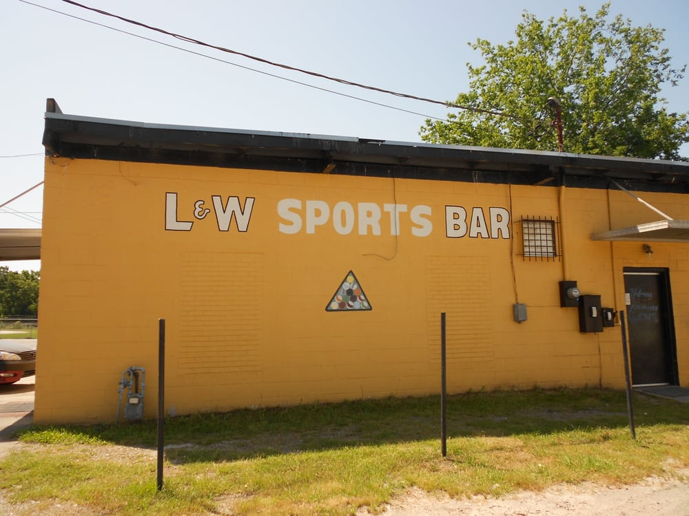 L & W Sports Center: 4479 Pio Nono Ave, Macon, GA