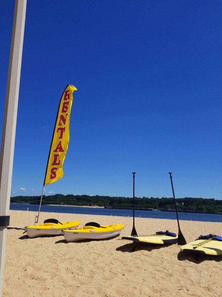 Hempstead Harbor Park & Beach: One West Shore Rd, Port Washington, NY