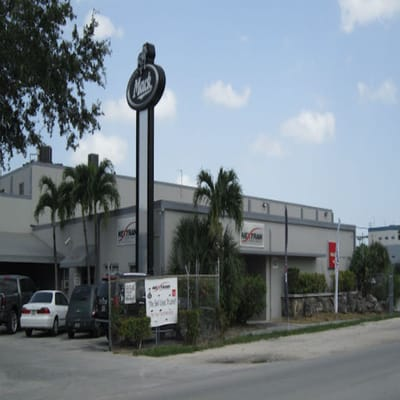 Miami Truck Center >> Nextran Truck Centers Commercial Truck Dealers 6801 Nw