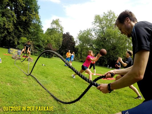82efec6de41a33 Bootcamp Outdoor in der Parkaue - Trainers - Erich-Kuttner-Str. 20 ...