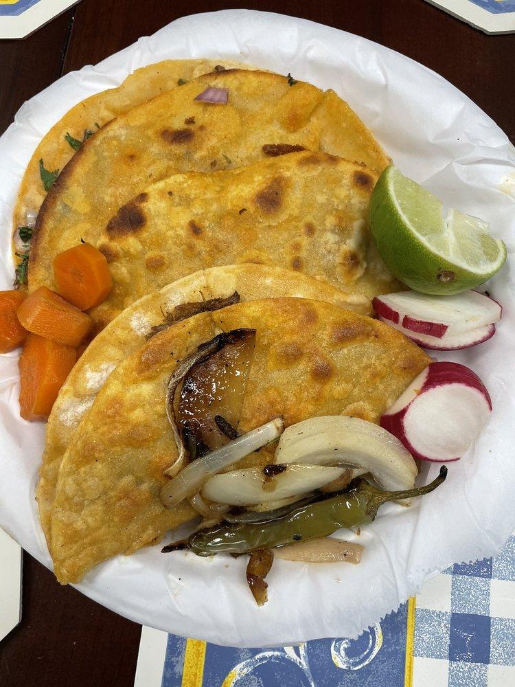 Tacos Sahuayo: 104 S Oregon Ave, Pasco, WA