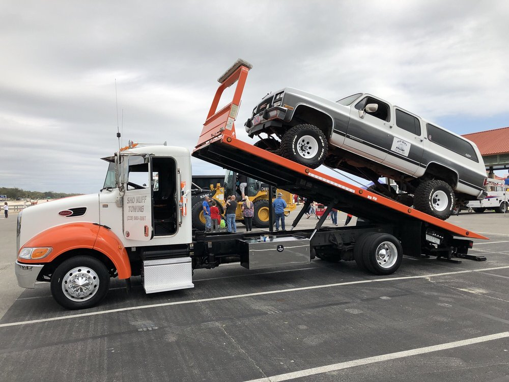Towing business in Long Beach, MS