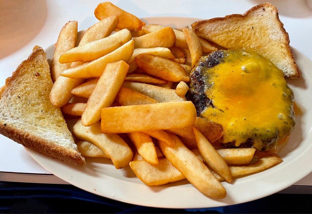 Southern Lady Restaurant: 112 Shirley St, Bowdon, GA