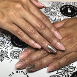 Nails Designed By Daniela Soperez 10 Photos Nail Technicians