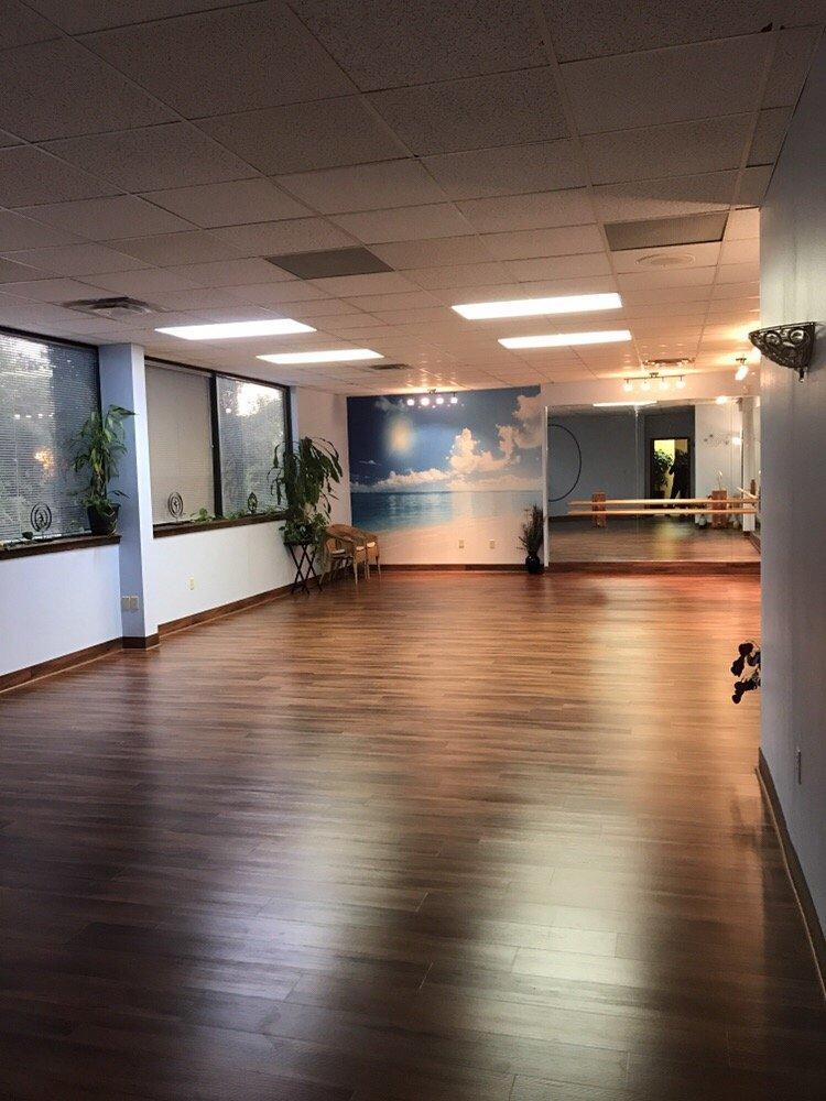 Serenity Now Yoga & Dance: 1200 W State Road 434, Longwood, FL
