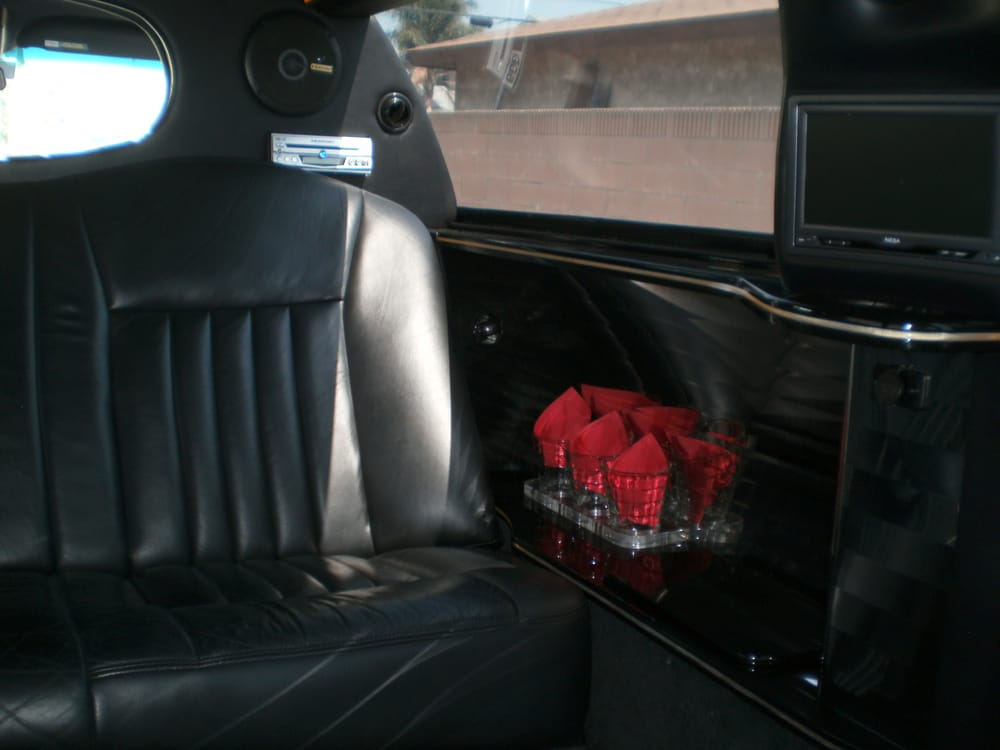 6 Passenger Lincoln Towncar Stretch Limousine Inside View Yelp