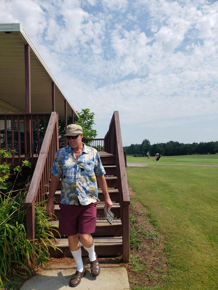 Quaker Creek Golf Course: 2817 Barnett Rd, Mebane, NC