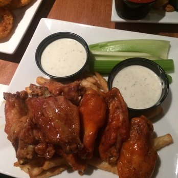 Lucky's Sports Theatre & Grill - 118 Photos & 210 Reviews