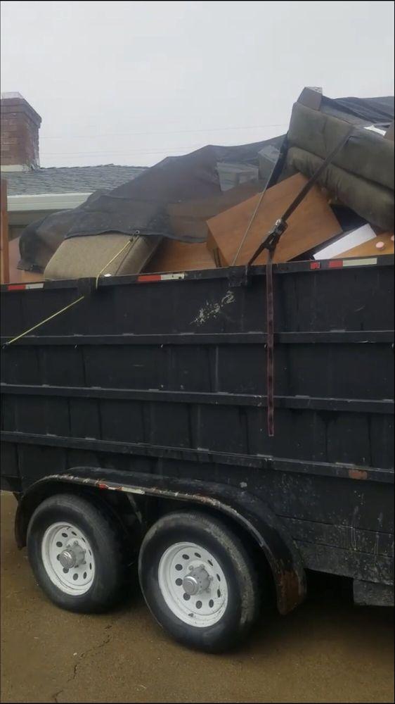 Dumpster's Junk Removal: Wilton, CA