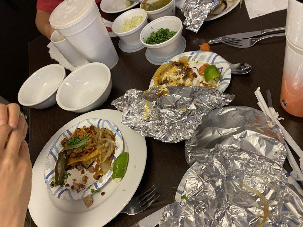 Food from Tacos Hidalgo Taco Truck