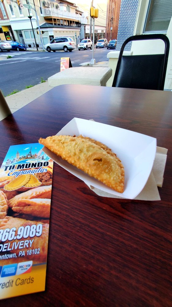 Tu Mundo Empanadas: 44 N 8th St, Allentown, PA