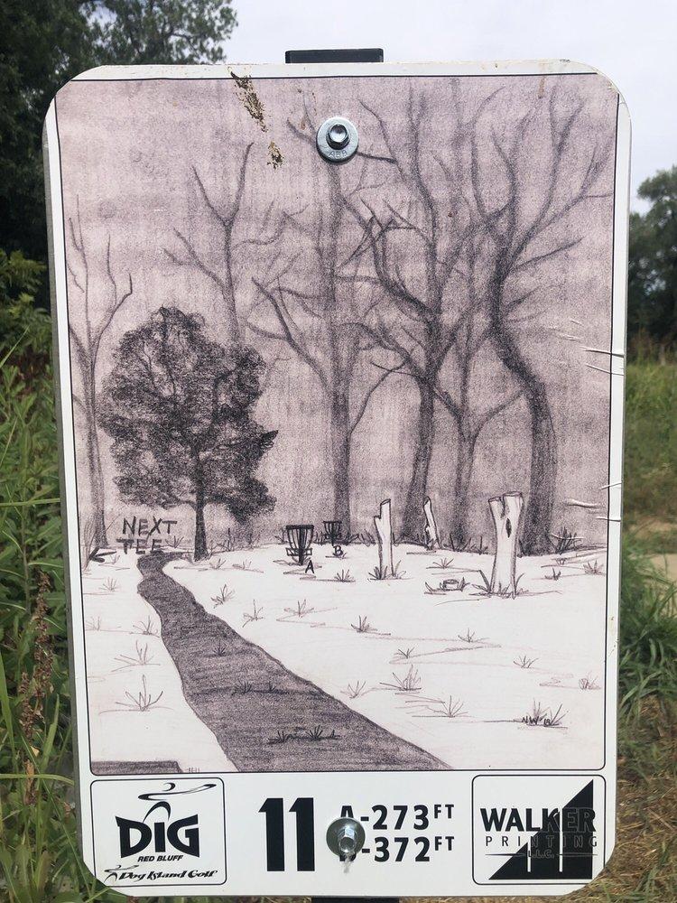Dog Island Disc Golf Course: Main St, Red Bluff, CA