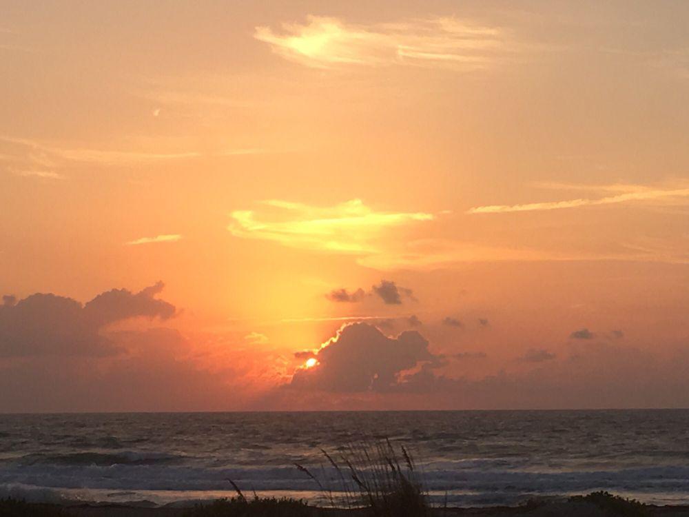 Beach Island Resort - Slideshow Image 3