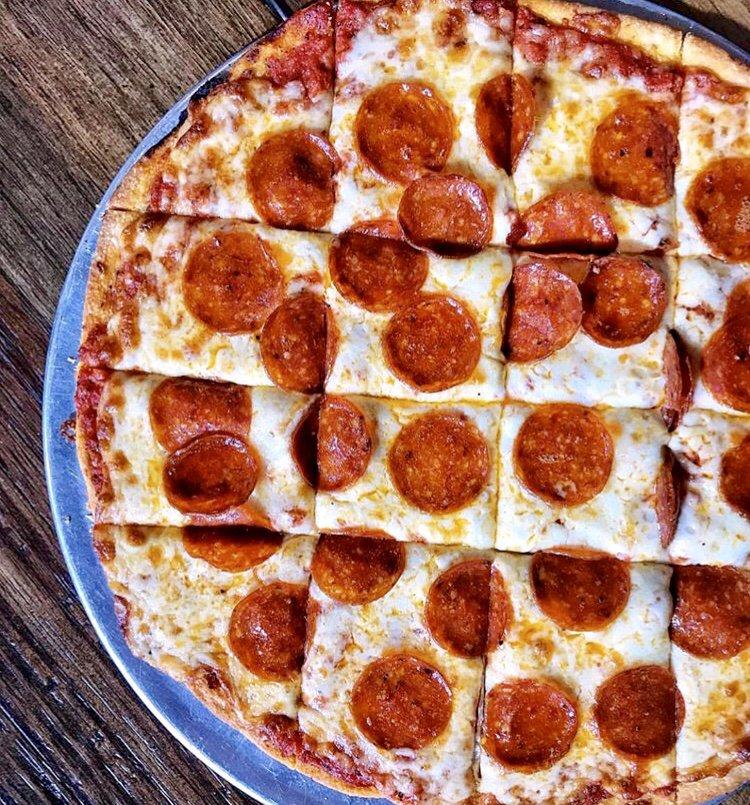 Maria's Ristorante & Pizzeria: 1591 N Division St, Morris, IL