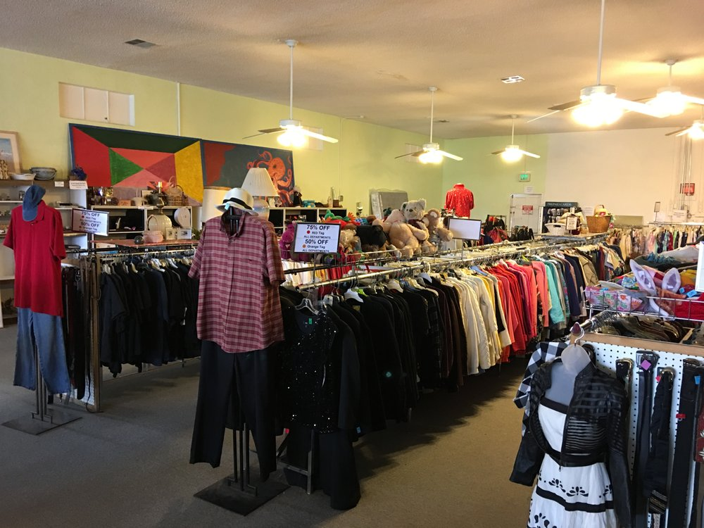 Hinds Hospice Thrift Store: 1404 Robertson Blvd, Chowchilla, CA