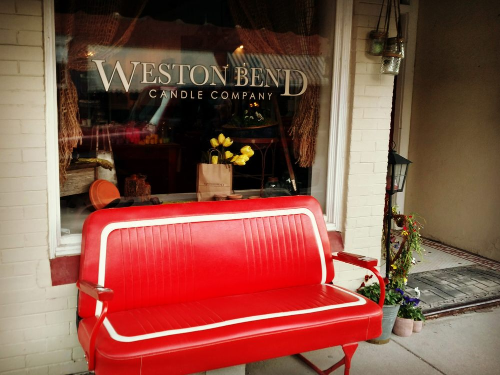 Weston Bend Candle Company: 424 Main St, Weston, MO