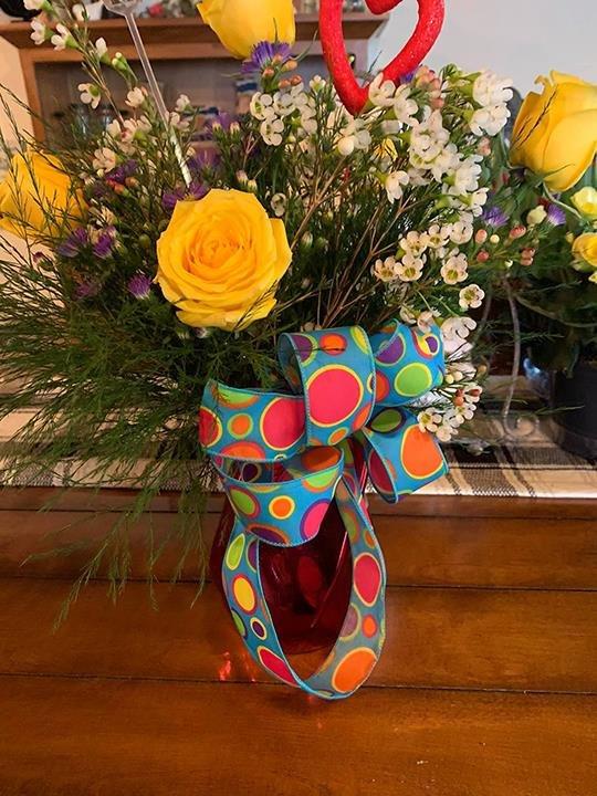Eldora Flower and Gifts: 1250 Washington St, Eldora, IA