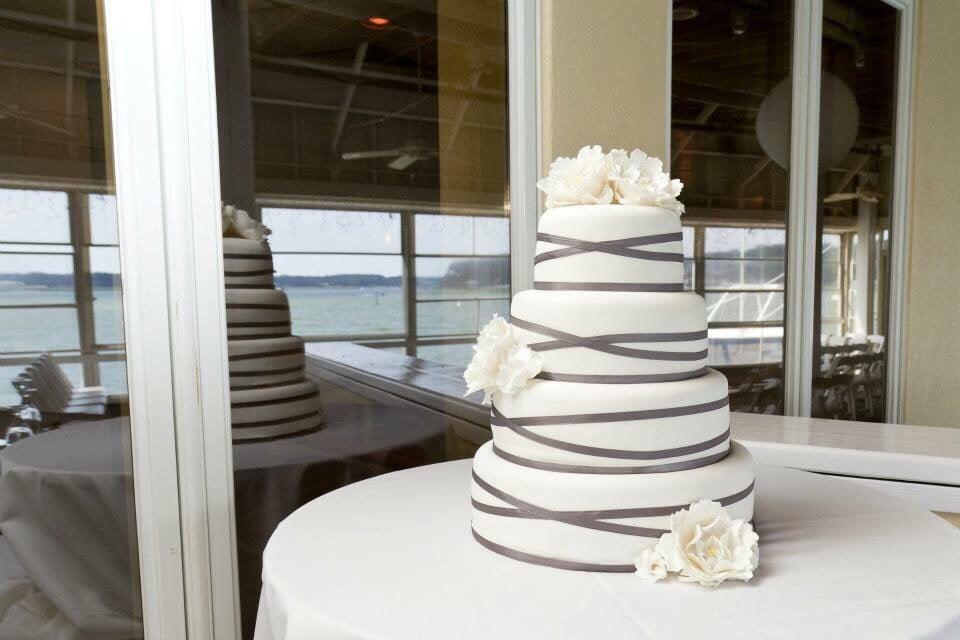 Sweetly Done Cakes: Chesapeake, VA