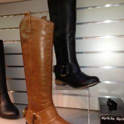 27eae61501d Steve Madden Outlet - Shoe Stores - 4345 Camino De La Plz, San ...