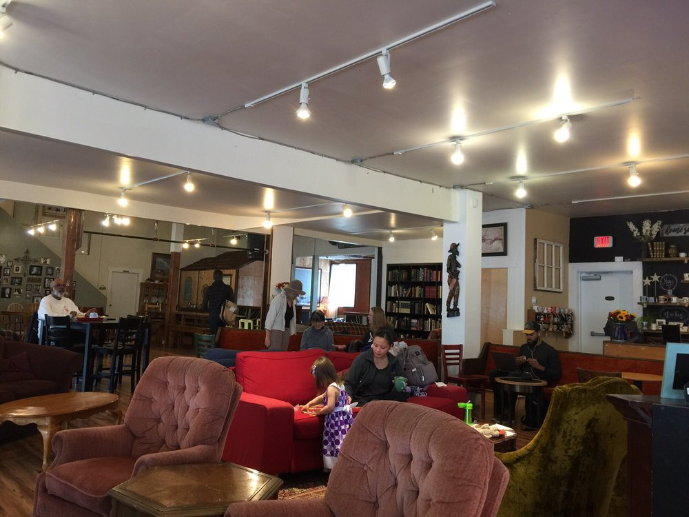 The Living Room Coffeehouse: 8524 SE 17th Ave, Portland, OR