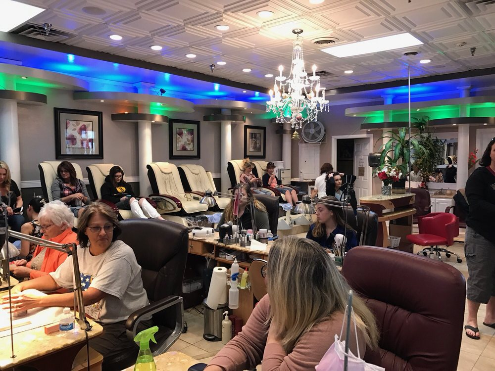 Nails Time: 617 E Pennsylvania Ave, Ottumwa, IA
