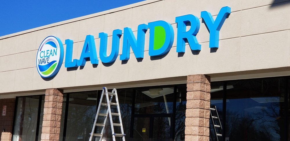Cleanwave Laundry: 2720 2nd Ave NW, Hickory, NC
