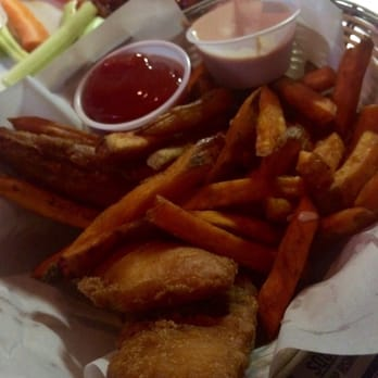 Lumpys downtown 43 photos 139 reviews sports bars for Fish and chips salt lake city